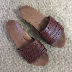 Born leather slides in brown size 7/38